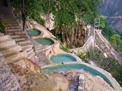 Pools | Grutas Tolantongo